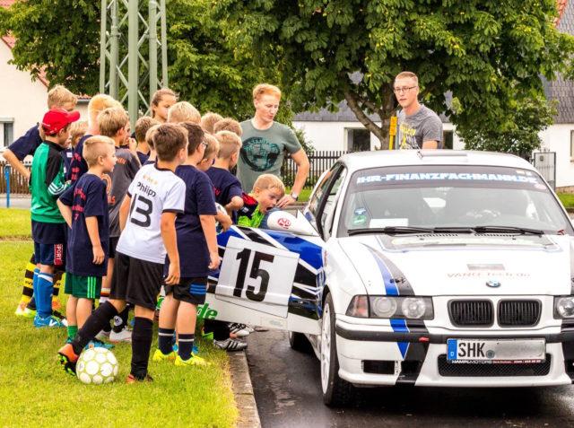 Besuch beim Kinder-Fußballferiencamp der SG ThalBürgel mit Fußballweltmeisterin Sandra Minnert.
